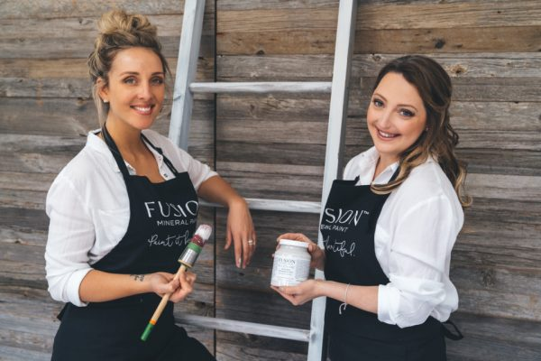 Jennylyn Pringle and Lisa Marie Holmes Fusion Mineral Paint 1 960x640 1 Fusion Mineral Paint Apron