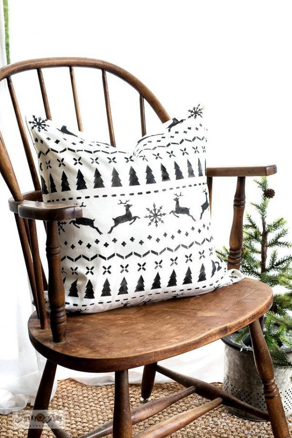 WhiteandblackChristmasSweaterpillowswithstencils Christmas Sweater Stencil
